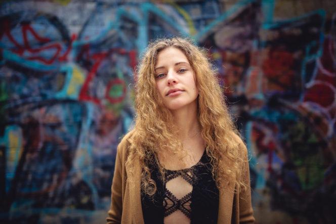 Portrait Foto Frau Graffiti - Fotograf Waldshut Tiengen