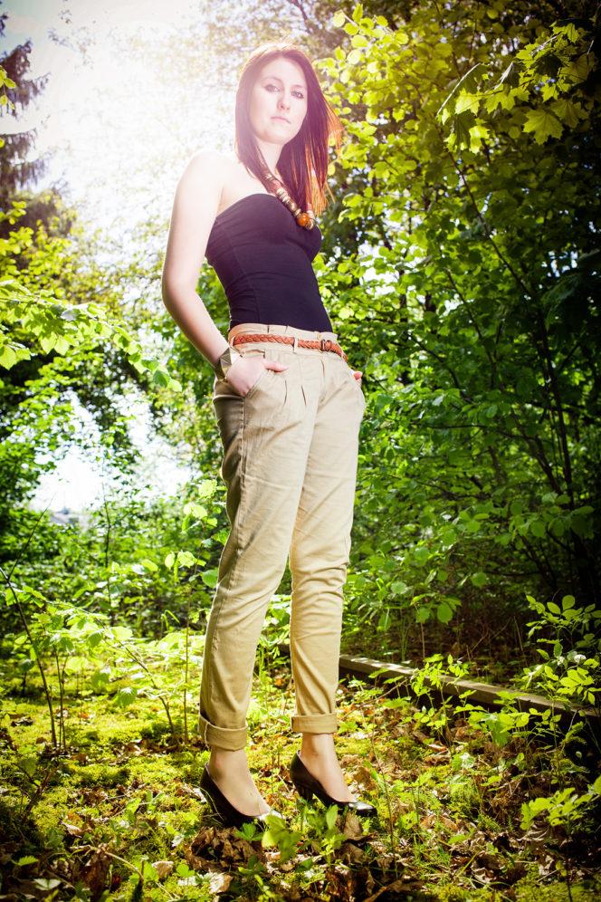 Portrait Foto Frau Gleis Wald - Fotograf Waldshut Tiengen